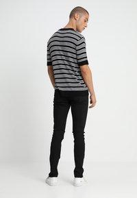 Tiger of Sweden Jeans - SLIM - Jean slim - Back Denim - 2