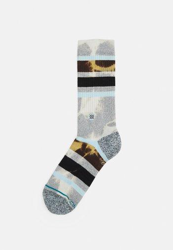 BRONG - Socks - grey