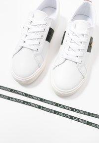 Lauren Ralph Lauren - JANSON II - Matalavartiset tennarit - white/green - 7