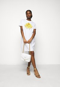 Versace Jeans Couture - LADY DRESS - Jersey dress - optical white - 1
