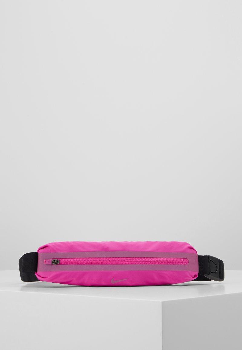 Nike Performance - SLIM WAISTPACK UNISEX - Rumpetaske - fire pink/black/fire pink