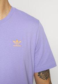 adidas Originals - ESSENTIAL TEE - Basic T-shirt - light purple - 4