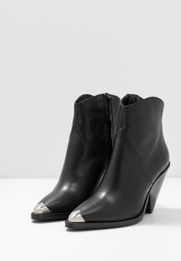 Toral - High heeled ankle boots - black - 4