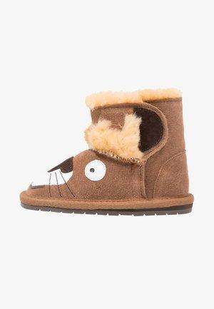 LEO LION WALKER - Classic ankle boots - chestnut