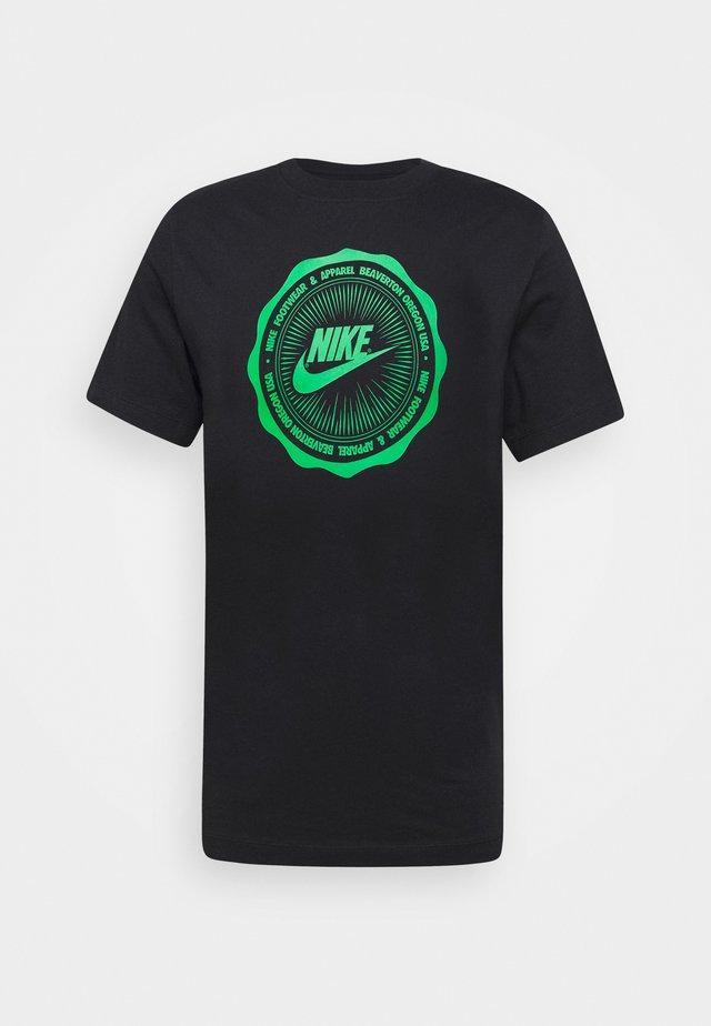 M NSW SS TEE BTS FUTURA - T-shirt imprimé - black