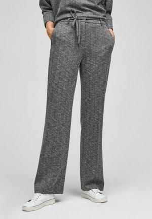 REGULAR MIT FISCHGRATMUSTER - Trousers - black heringbone