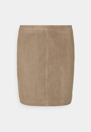 OBJCHLOE SKIRT SEASONAL - Leather skirt - fossil