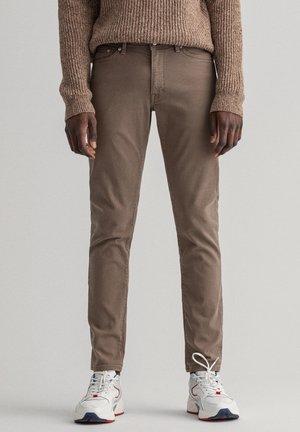 Slim fit -farkut - desert brown