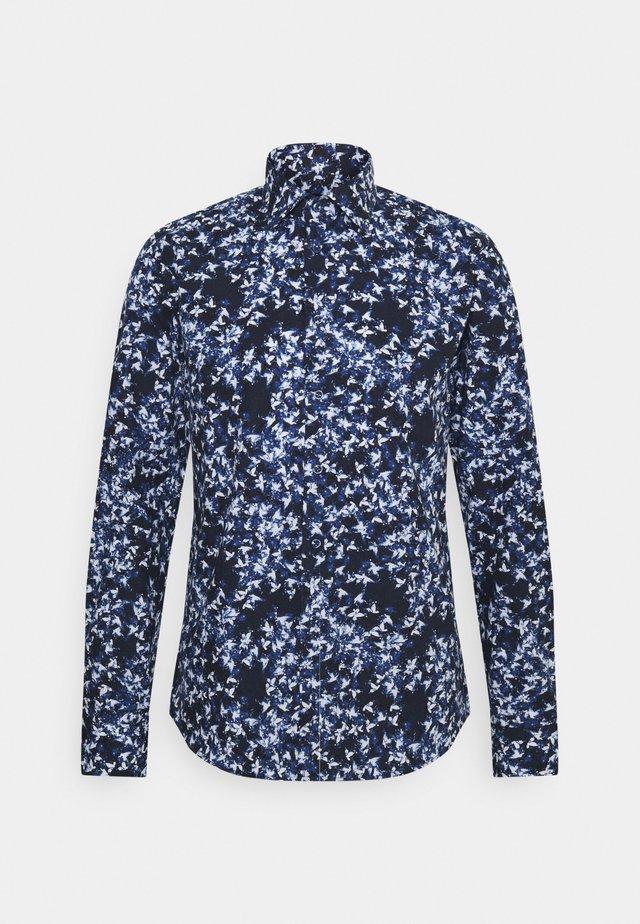 IVER SLIM FIT - Camicia - medium blue