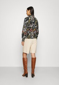 ONLY - ONLZILLE DETAIL SMOCK - Blouse - night sky/blooming flower - 2