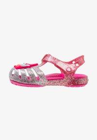 Crocs - ISABELLA CHARM RELAXED FIT  - Sandały kąpielowe - pink ombre - 1