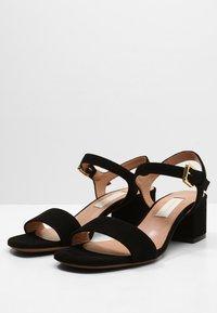 L'Autre Chose - MID HEEL - Sandals - nero - 3