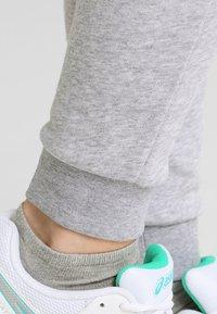 Lacoste Sport - LOESCHLISTE - WOMEN TENNIS TROUSERS - Pantalon de survêtement - silver chine - 5