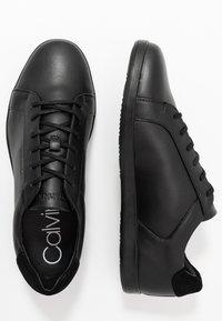 Calvin Klein - MAINE - Sneakersy niskie - black - 1