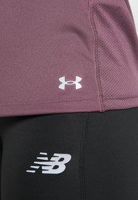 Under Armour - FLY BY TANK - T-shirt de sport - purple - 6