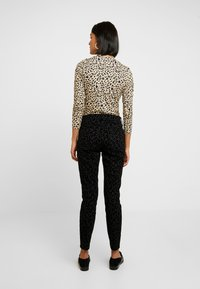 Madewell - HIGH RISE - Jeans Skinny Fit - black - 2