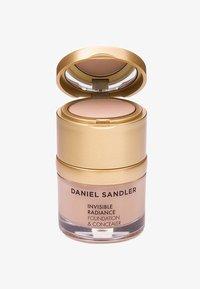 Daniel Sandler - INVISIBLE RADIANCE FOUNDATION - Foundation - beige - 0