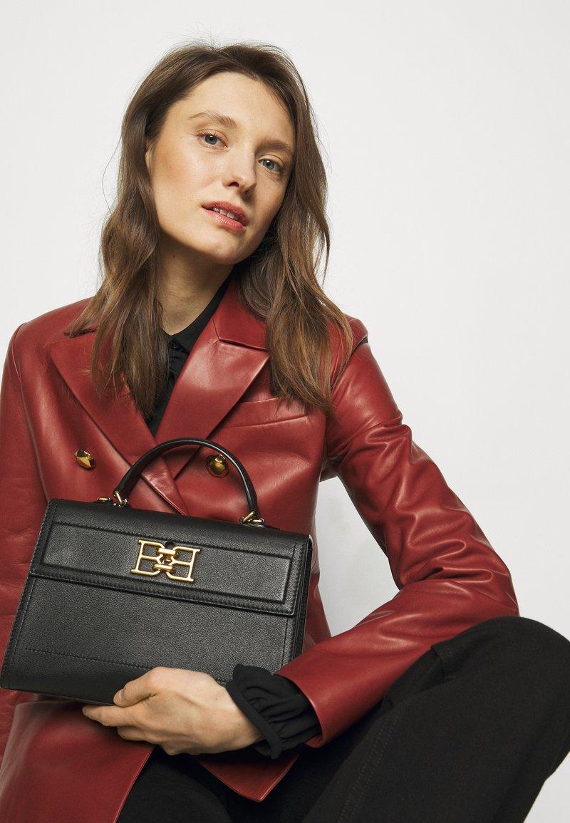 Bally - CHAIN TO HANDLE BAG - Handbag - black