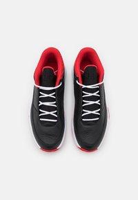 Jordan - MAX AURA 3 - Korkeavartiset tennarit - black/white/university red - 3