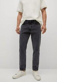 Mango - Jeans Tapered Fit - black denim - 0
