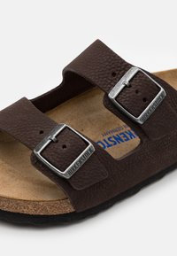 Birkenstock - ARIZONA - Pantuflas - soft brown - 5