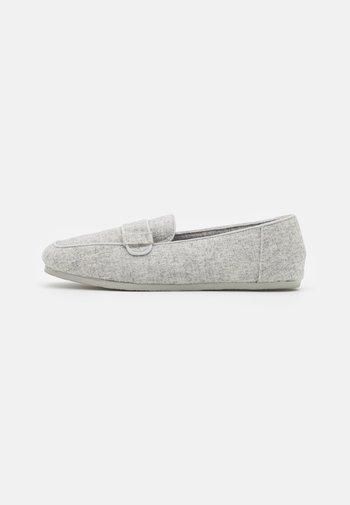 Pantuflas - grey