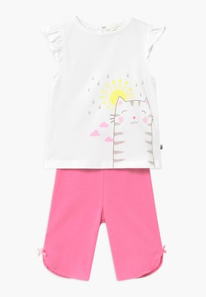 RAIN OR SHINE SET - Pantalones - weiß