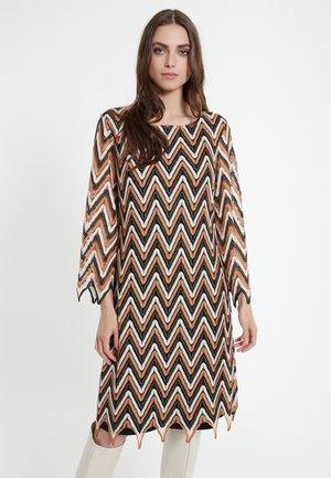 CERMA - Korte jurk - braun