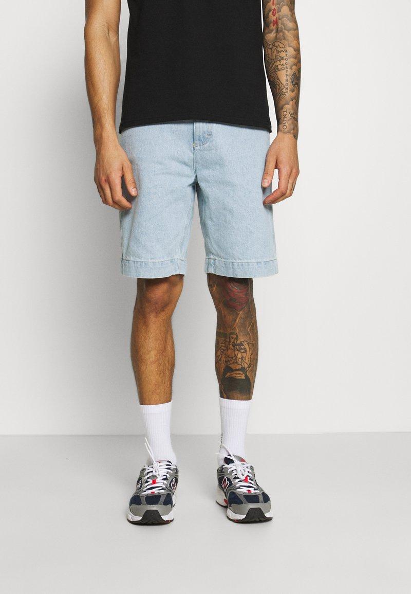 Karl Kani - Shorts di jeans - blue