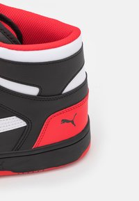 Puma - REBOUND LAYUP UNISEX - High-top trainers - black/white/high risk red - 5
