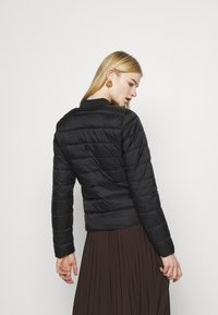 ONLY - ONLSANDIE QUILTED JACKET - Light jacket - black - 2