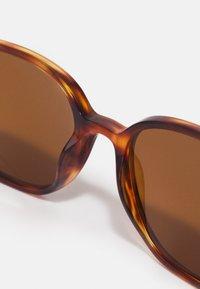 Ray-Ban - LEONARD - Sunglasses - havana - 2