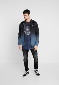 Supply & Demand - VANISH HOOD - Giacca sportiva - blue/black fade - 1