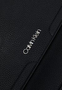 Calvin Klein - Sac à main - black - 4