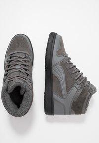 Puma - REBOUND LAYUP UNISEX - Sneakers alte - castlerock/black - 1