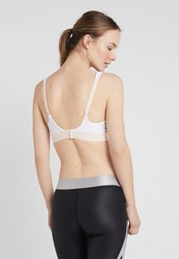 triaction by Triumph - TRIACTION CONTROL - High support sports bra - white - 2
