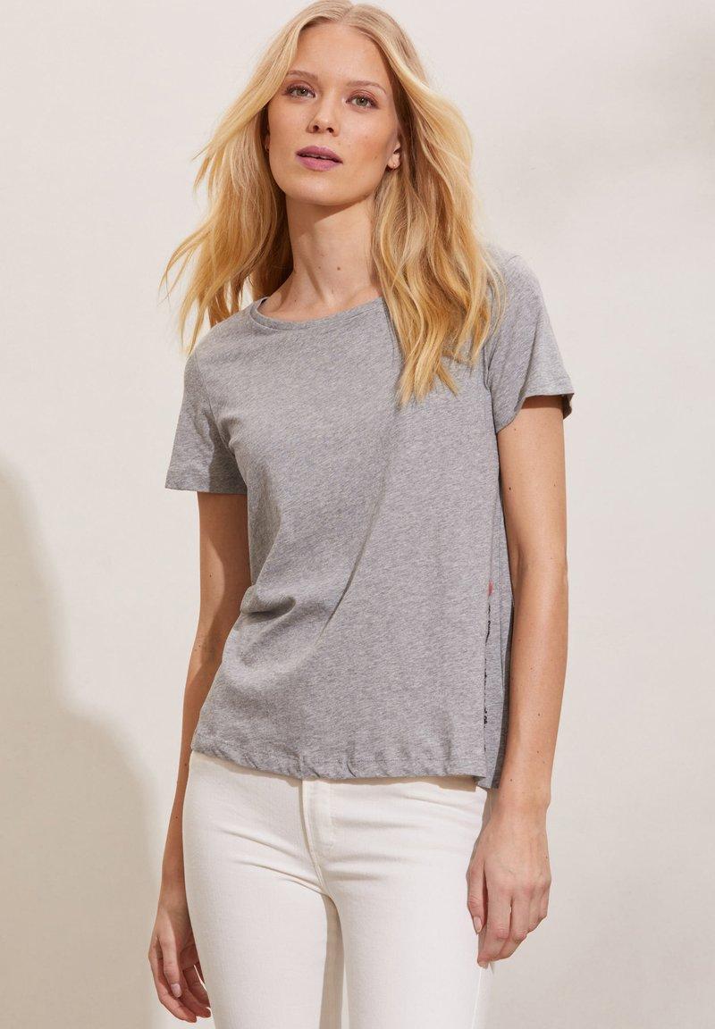 Odd Molly - DAPHNE - Print T-shirt - grey melange
