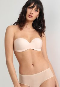 Chantelle - ABSOLUTE INVISIBLE - Stroppeløs-BH - beige doré - 4