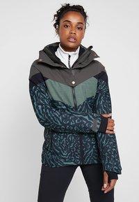 Brunotti - JUNGLEFOWL WOMEN SNOWJACKET - Snowboard jacket - pine grey - 0