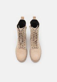 Vero Moda Wide Fit - VMLINETTE BOOT WIDE FIT VIP - Platform ankle boots - safari - 5