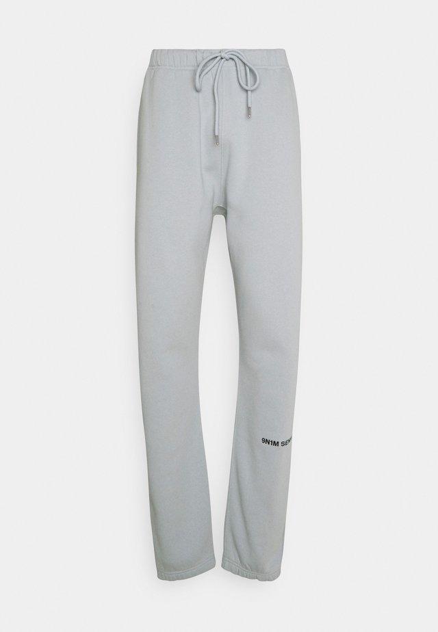 SENSE PANTS - Tygbyxor - pantone grey