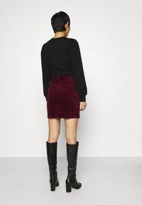 Dorothy Perkins - WRAP BUTTON SKIRT - Mini skirt - purple - 2