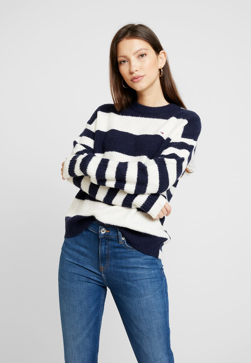 Tommy Jeans - BOLD STRIPE CREW - Pullover - snow white / black iris