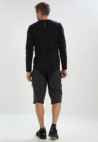 Gore Wear - ALL MOUNTAIN SHORTS - Sports shorts - terra grey - 2