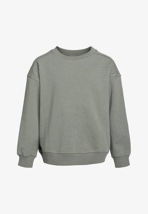 Sweater - gray pine