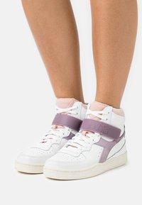 Diadora - MI BASKET MID ICONA - Zapatillas altas - white/nirvana/evening sand - 0