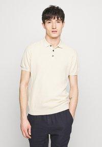 Sand Copenhagen - RETRO - Polo shirt - camel - 0