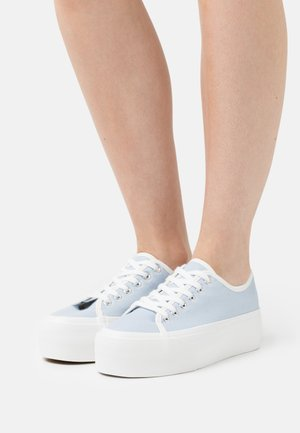 FLATFORM LACE UP - Sneakers basse - pale blue