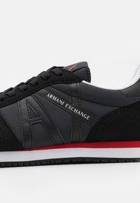 Armani Exchange - Sneakers basse - full black - 5