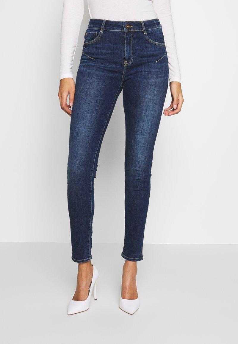 Miss Sixty - BETTIE CROPPED - Jeans Skinny Fit - light blue